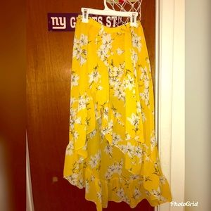 Dresses & Skirts - Yellow and white floral skirt